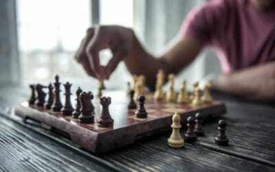 2 Key Traits Smart Investors Share with Great Chess Players
